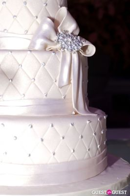 fancy cakes-by-leslie in Washingtonian Bride & Groom Unveiled