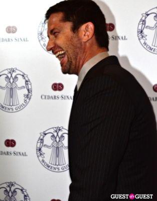 gerard butler in Women's Guild Cedars-Sinai Annual Gala