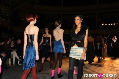 giselle reinbergs in Richie Rich's NYFW runway show
