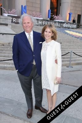 graydon carter in Vanity Fair's 2014 Tribeca Film Festival Party Arrivals