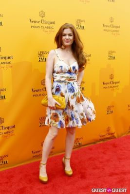 isla fisher in Veuve Clicquot Polo Classic at New York
