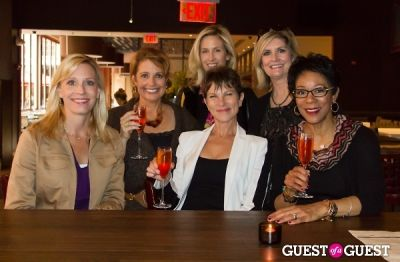 laura evans in Glow On The Row with DC NewsBabes