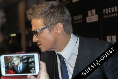 jeremy renner in Kill The Messenger Movie Premiere
