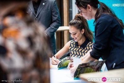 jessica alba in Jessica Alba - The Honest Life Book Signing