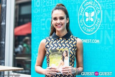 jessica alba in Jessica Alba - The Honest Life Book Signing