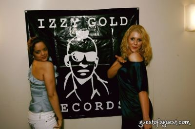 jessica lynn-miska in Izzy Gold Records Grand Opening
