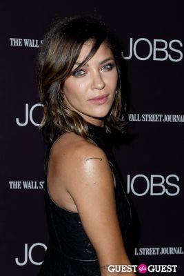 jessica szohr in Jobs (The Movie) Premiere