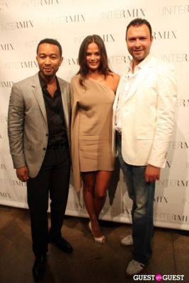 christy teigen in INTERMIX Celebrates Summer