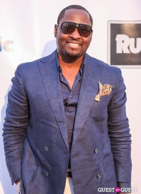 johnny gill in The 4th Annual