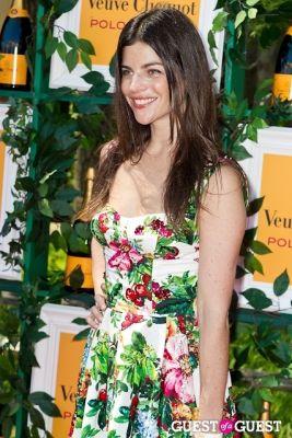 julia restoin-roitfeld in Veuve Clicquot Polo Classic 2013