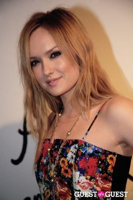 kaylee defer in Alica+Olivia
