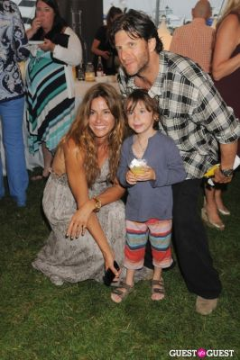 kelly bensimon in Hamptons Magazine Clambake