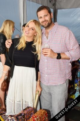 kelly brady in Alice + Olivia Montauk Beach BBQ
