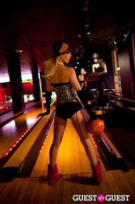 kelly dean in Miz Mooz 2011 Fashion Show by Workhouse at Bowlmor Times Square