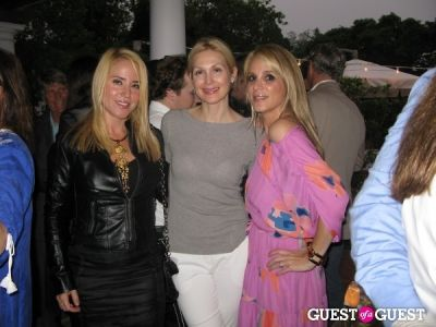 kelly rutherford in Hamptons Magazine's Christie Brinkley Issue Release Celebration