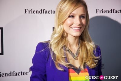 kristen bell in Chelsea Clinton Co-Hosts: Friendfactor