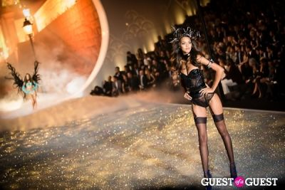 lais ribeiro in Victoria's Secret Fashion Show 2013