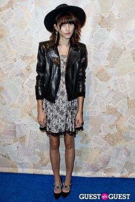 langley fox in Alice and Olivia Presentation