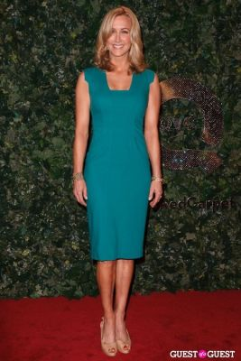 lara spencer in QVC Red Carpet Style
