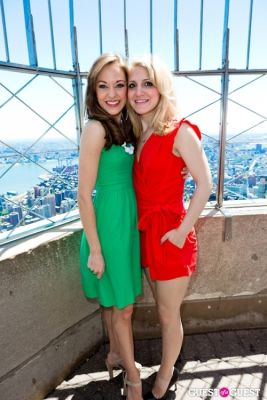 laura osnes in Tony Award Nominees Photo Op Empire State Building