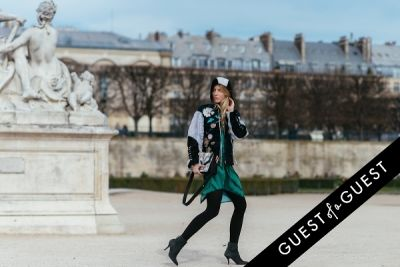 laura tonder in Paris Fashion Week Pt 4