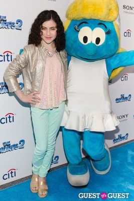 mia wasikowska in The Smurfs 2