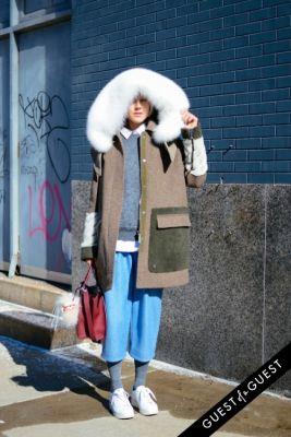 linda tol in NYFW Street Style Day 1