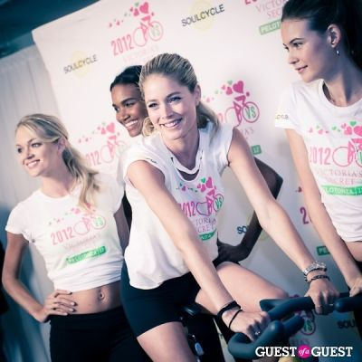 lindsay ellington in Victoria's Secret Supermodel Cycle Ride