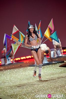 liu wen in Victoria's Secret Fashion Show 2010