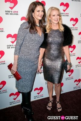 lynda carter in God's Love Golden Heart Achievement Awards