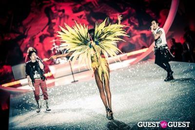 maria borges in Victoria's Secret Fashion Show 2013