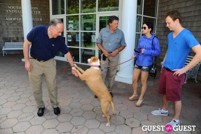 elizabeth shafiroff in Jean Shafiroff and Dog Trainer Bill Grimmer Visit Southampton Animal Shelter