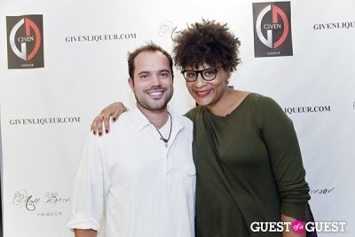 matt bernson in Matt Bernson Celebrates Fashion's Night Out 2012