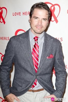 matthew settle in Love Heals 2013 Gala