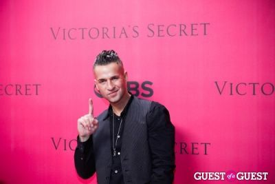 michael -the-situation--sorrentino in 2010 Victoria's Secret Fashion Show Pink Carpet Arrivals
