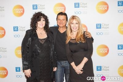 ann wilson in City of Hope's 2013 Summer of Hope Celebration
