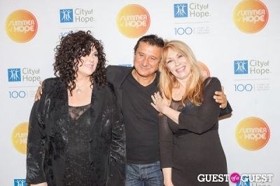 nancy and-ann-wilson in City of Hope's 2013 Summer of Hope Celebration