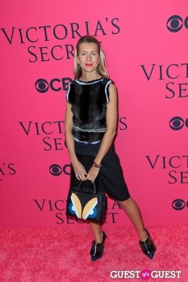 natalie joos in 2013 Victoria's Secret Fashion Pink Carpet Arrivals