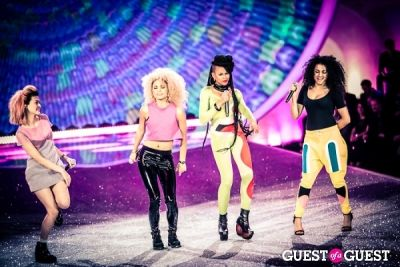 neon jungle in Victoria's Secret Fashion Show 2013