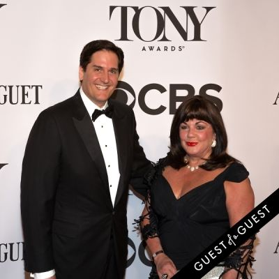nick scandalios in The Tony Awards 2014