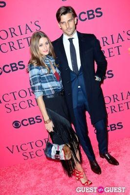 johannes huebl in 2013 Victoria's Secret Fashion Pink Carpet Arrivals