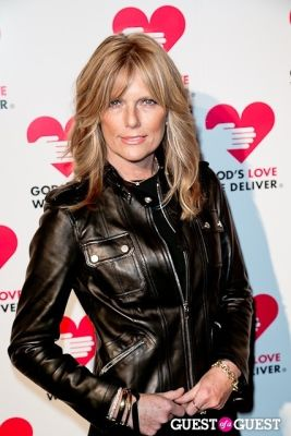 patti hansen in God's Love Golden Heart Achievement Awards