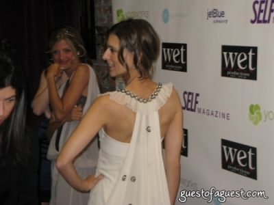 perrey reeves in Love:WET