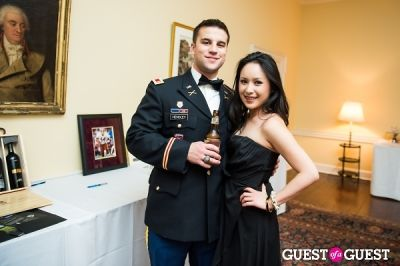 quaenie bui in Sweethearts & Patriots Gala