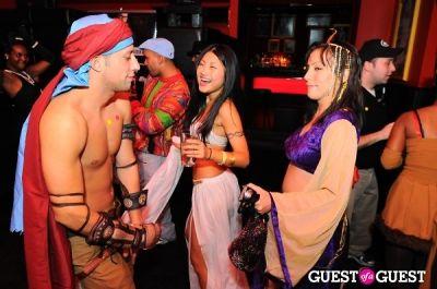robert cohen in SingleAndTheCity.com Hosts Halloween Singles Party
