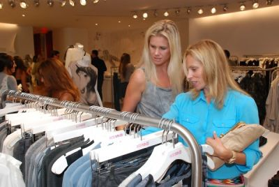 jodi allardice in Amaryllis Equine Rescue Benefit at Intermix
