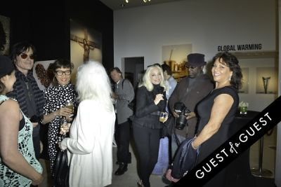 ronn goss in Mouche Gallery Presents the Opening of Artist Clara Hallencreutz's Exhibit