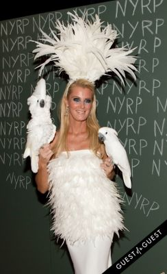 sandra lee in Bette Midler Presents New York Restoration Projects 19th Annual Halloween Gala: Fellini Hulaweeni