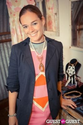 sara droz in The Styleliner Venice Pop Up Opening Party