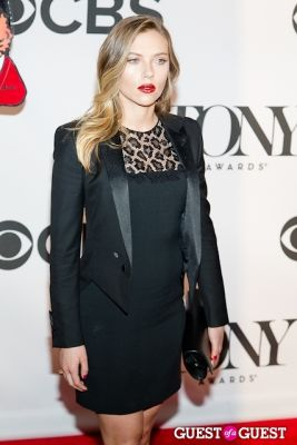 scarlett johansson in Tony Awards 2013